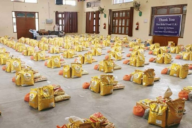 125 Tibetan families in Paonta Cholsum settlement in northern India receive food relief